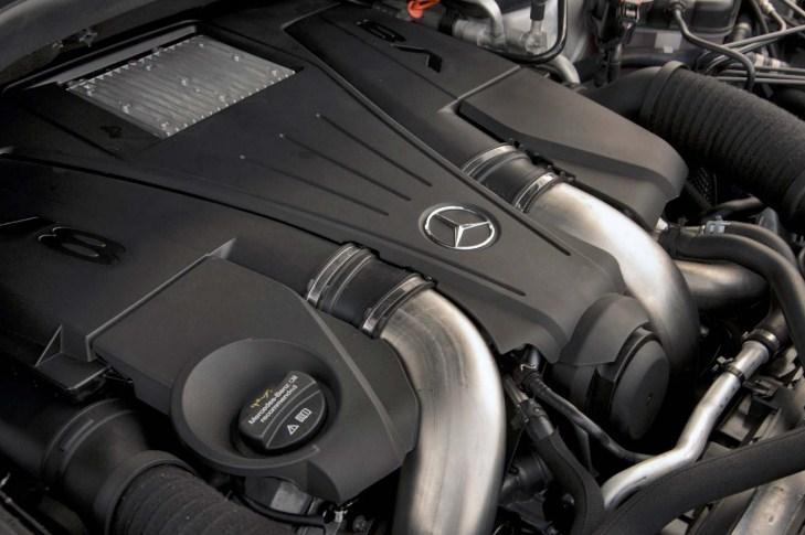 Động cơ V8 hộp số 7 cấp tự động với 435 mã lực Mercedes GLS 500