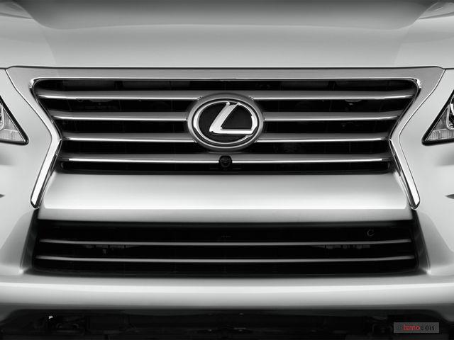 Lexus LX570 đời 2014: giá 4,5 tỷ đồng cho chiếc xe đi 6 năm liệu có đáng mua