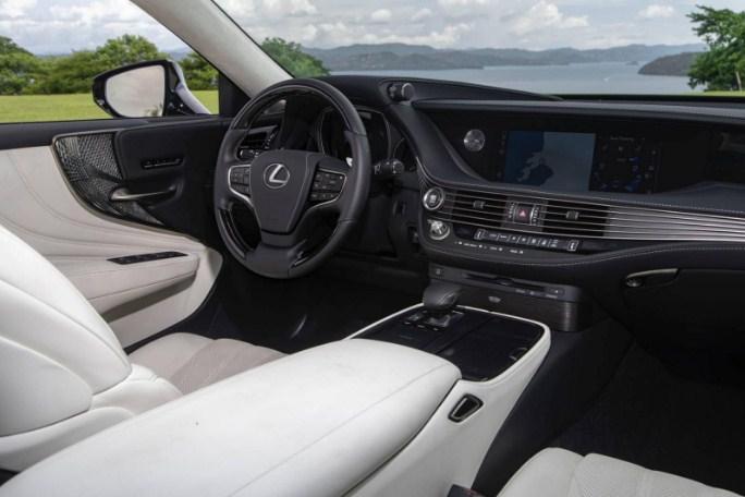 nội thất xe Lexus LS 500 2020