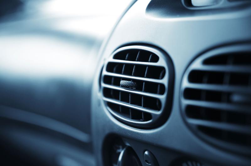 Bắt bệnh cửa gió điều hòa ô tô và cách xử lý