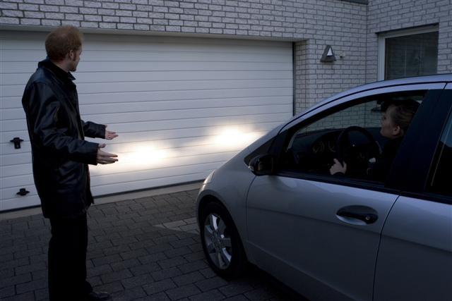 Chia sẻ cách chỉnh đèn pha ô tô đảm bảo an toàn cho lái xe