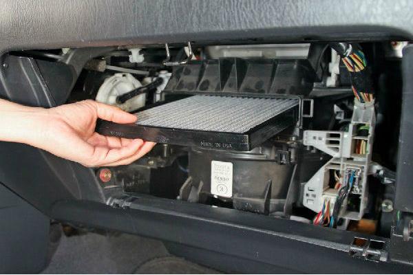 Khi nào nên vệ sinh máy lạnh ô tô