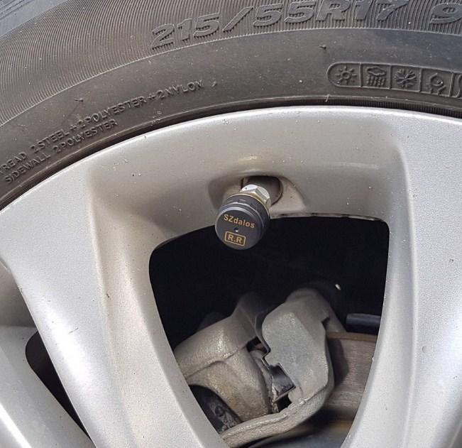 Cảm biến áp suất lốp gắn ngoài là gì?