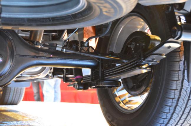 Chi tiết cấu tạo giảm xóc ô tô dạng lá nhíp
