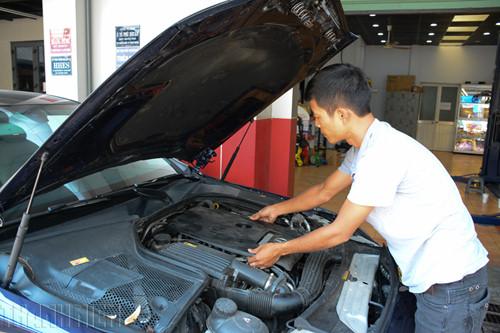 Hướng dẫn cách kiểm tra môbin ô tô đơn giản dễ làm