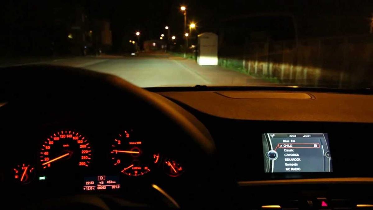 Những kinh nghiệm lái xe ô tô vào buổi tối cần thiết nhất