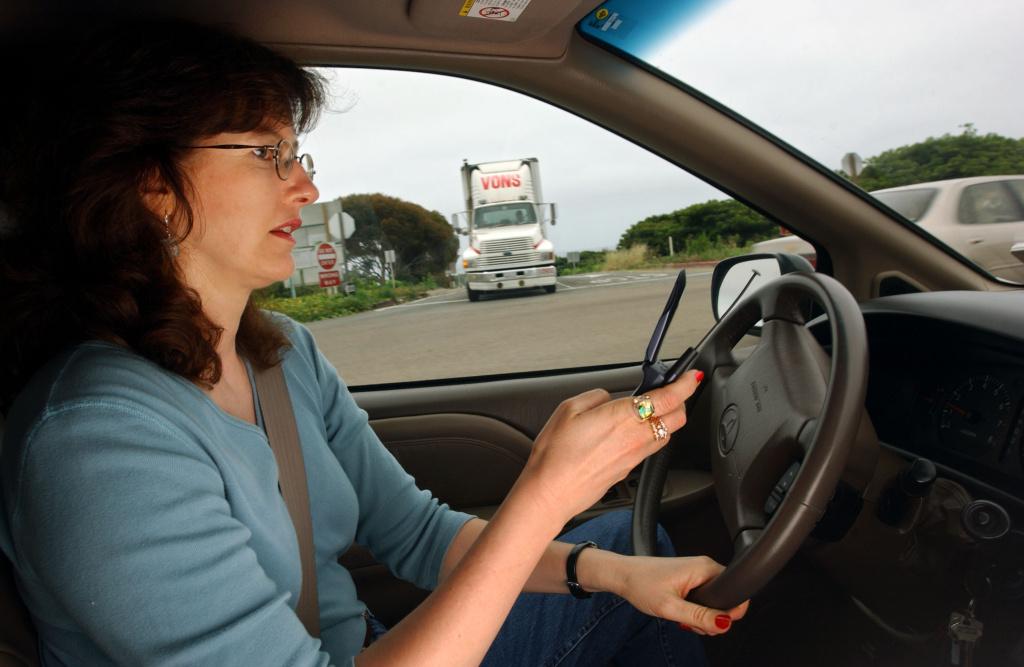 Không sử dụng điện thoại khi lái xe