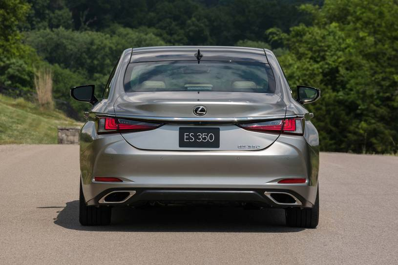 Hông xe Lexus ES350