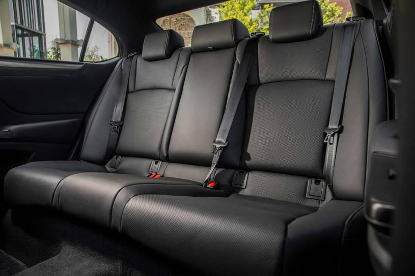 hàng ghế sau Lexus ES 350 2019