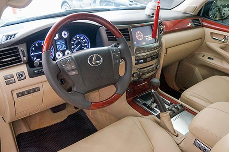 Lexus LX570 là một trong những mẫu xe thành công nhất