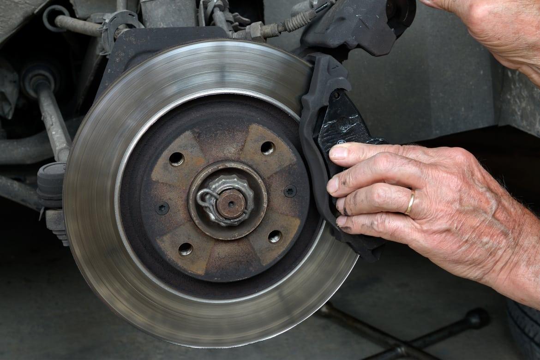 Khi nào cần thay đĩa phanh ô tô