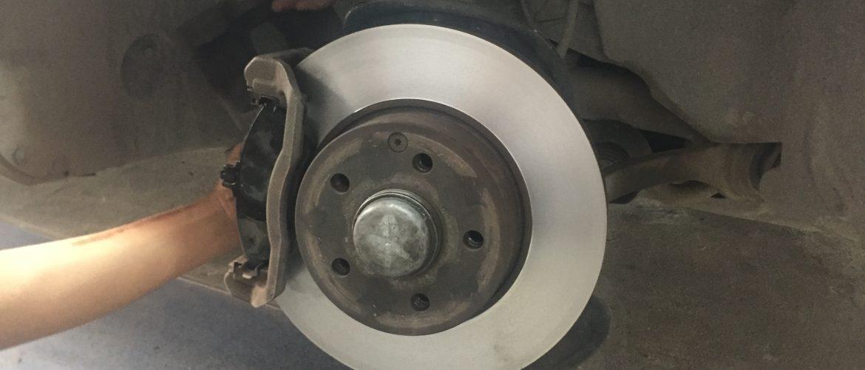 Những dấu hiệu cần bảo dưỡng đĩa phanh ô tô