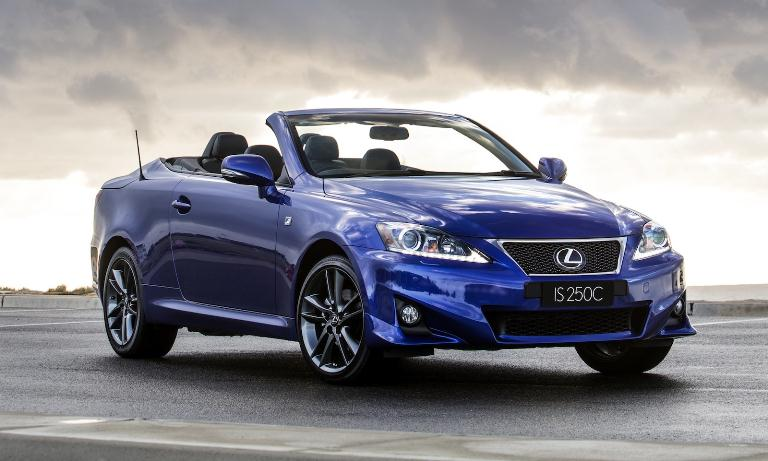 IS 250C phiên bản mẫu xe lexus mui trần màu xanh dương cá tính