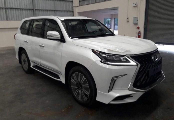 Xe sang Lexus LX570 Super Sport 2019