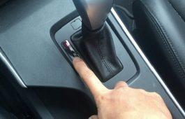 Cách vào số xe ô tô tự động đúng và an toàn nhất với các tài xế