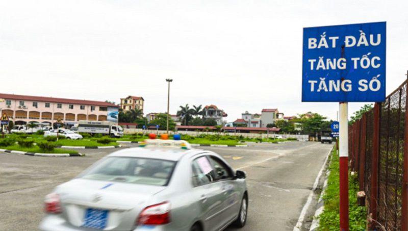 Hướng dẫn lái xe sa hình B2 - Bài thi tăng tốc