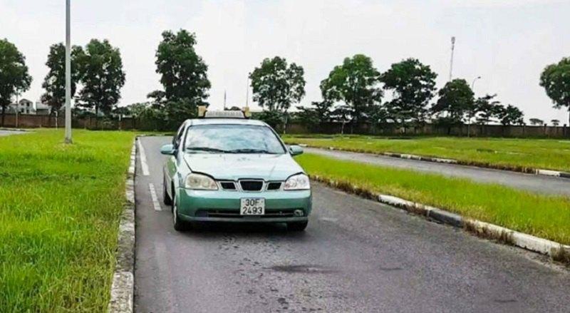 Mẹo thi sa hình B2: Phần thi đi xe qua đường hẹp vuông góc (chữ Z)