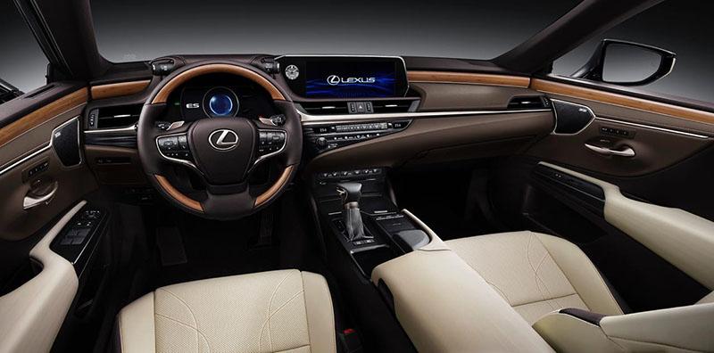 Từng chi tiết nội thất xe đều được trang bị tinh tế tạo cảm giác ấm cúng