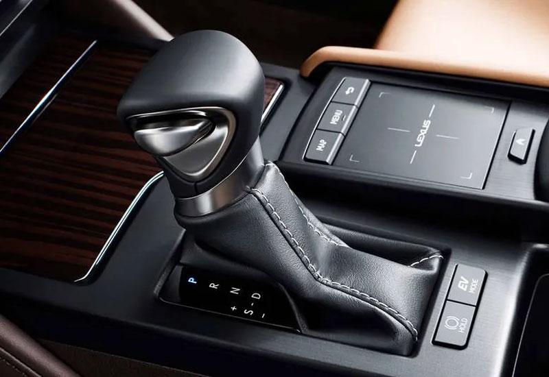 Mọi chi tiết nội thất bên trong Lexus ES 350 đều đảm bảo độ hoàn thiện tuyệt đối