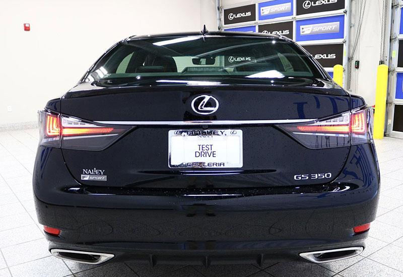 Hình ảnh phần đuôi xe Lexus GS 350