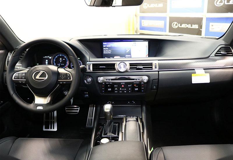 Về kích thước, Lexus GS 350 lớn hơn so với ES350