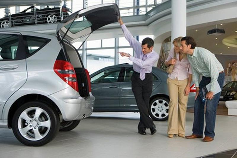 Nên kiểm tra kĩ lưỡng trước khi mua xe ô tô cũ
