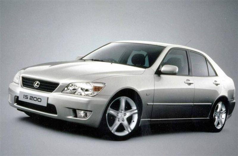 Mẫu xe Lexus IS200 giai đoạn năm 1999 - 2005
