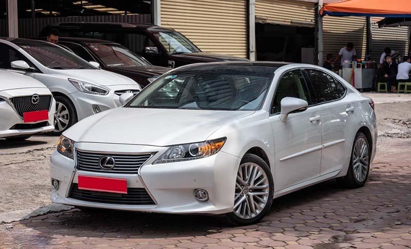 Có nên sở hữu một chiếc Lexus ES 350 lướt hay không?