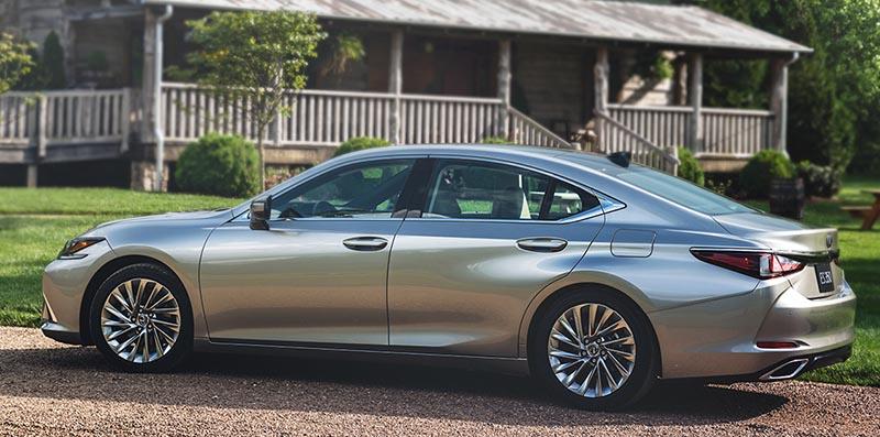 Có nên mua Lexus ES 250 cũ đời trước 2015 hay không?