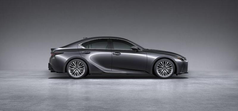 Lexus IS300 là mẫu xe có giá bán phù hợp với thiết kế xe