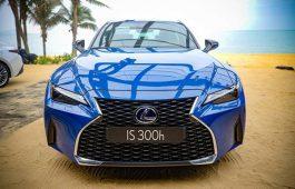 Bảng giá và điểm nổi bật của Lexus IS300 so với các dòng xe cũ?