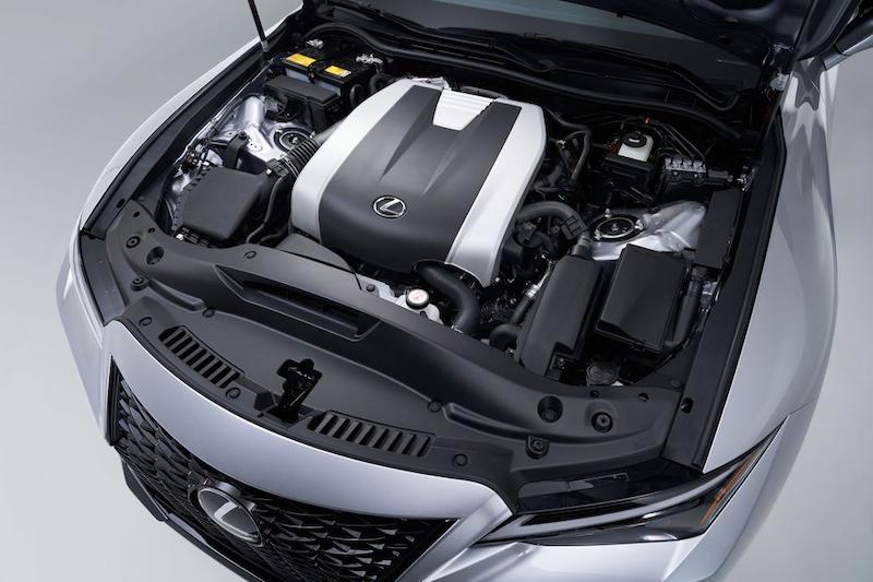 Động cơ 4 xilanh 2.0l giúp xe nhanh chóng đạt tốc độ tối đa