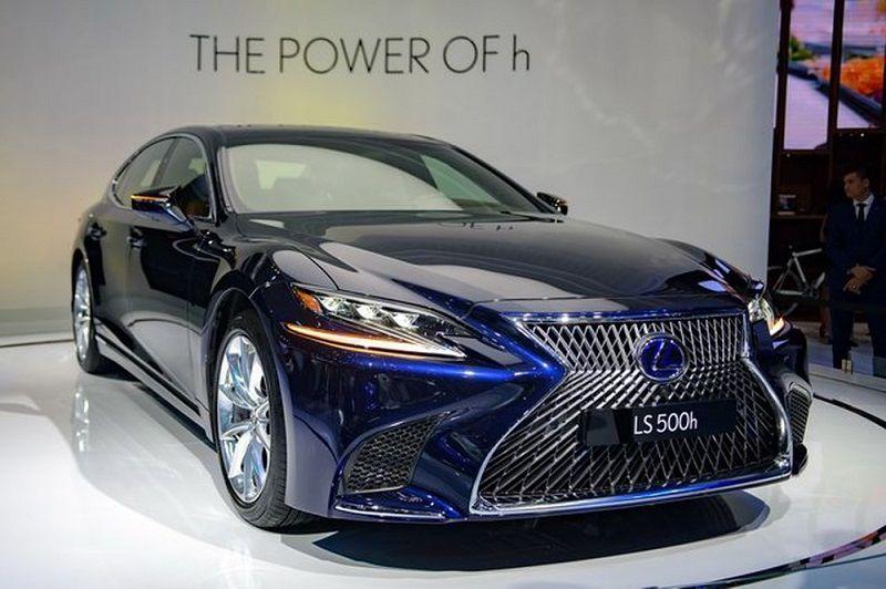 Lexus LS 2021 là bản nâng cấp thế hệ thứ 5 của hãng