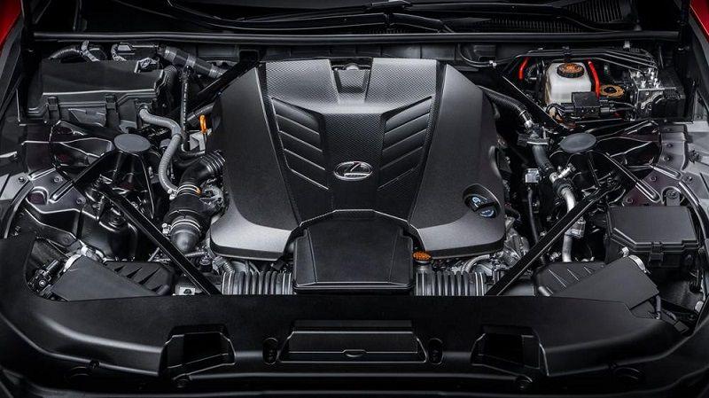 Xe được trang bị động cơ 6 xi-lanh công suất cao